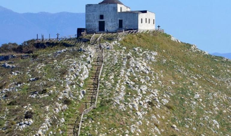 Monte San Costanzo